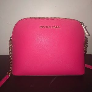 ✨MICHAEL KORS HOT PINK CINDY LARGE DOME CROSSBODY✨